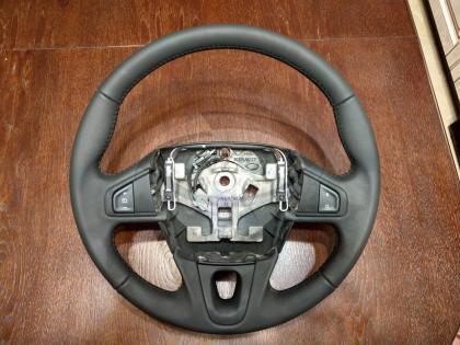 Фотография Renault Fluence NEW. Руль с кнопками круиз контроля